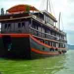 boat_halong_bay_vietnam